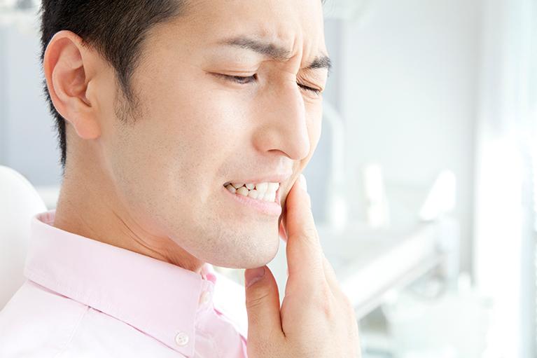 歯茎の炎症の原因に